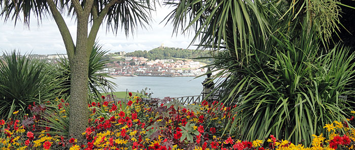 Photo of Scarborough South Bay from South Cliff garden