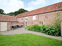 Grounds at Woldsend Cottages - Granary Cottage ( IUV ) Rillington near Malton North Yorks