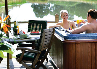 Hot tub at Oak Lodge ( Ref LP3907 ) Oakwood holiday lodges near York