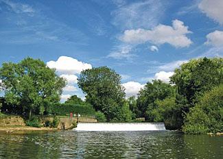 Weir near Stamford Bridge Holiday Park York
