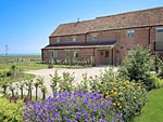 Scarborough Cottage sleeps 8 - Holiday cottage at Scalby Lodge Farm ( Ref IXH ) Scalby self catering accommodation near Scarborough