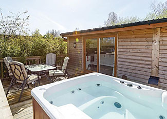 Outdoor hot tub at Pickering Lodge - Holiday lodge accommodation in North Yorkshire - Pickering Lodges