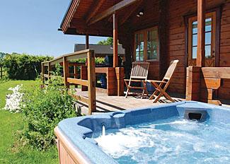 Outdoor hot tub at Beech Lodge ( Ref LP3903 ) Holiday Lodge in Stillingfleet near York