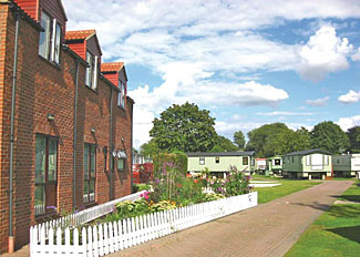 Weir Side Apartment setting ( Ref LP6901 ) at Weir Holiday Park Stamford Bridge near York