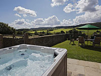 Thirley Cotes Farmhouse Holiday Cottage with hot tub - Harwood Dale near Scarborough